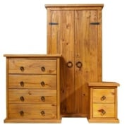 Farmhouse Three Piece Bedroom Set